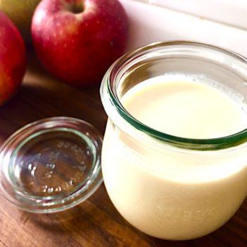 5 powodów, dla których warto samodzielnie robić roślinny jogurt